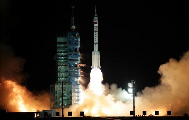El lanzamiento de 'Shenzhou 8' tuvo lugar en la base de Jiuquan el 1 de noviembre. | AP