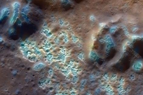 Hoyos en el interior de la cuenca Raditladi. | NASA.