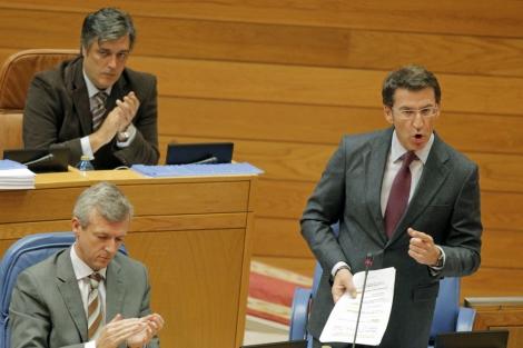El presidente de la Xunta, Núñez Feijóo, en el Parlamento. | Efe