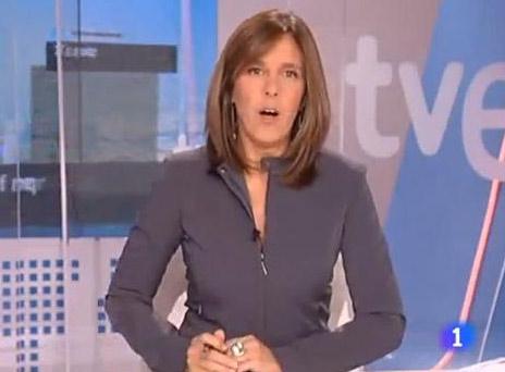 Ana Blanco presenta el Telediario 1, a las 15.00 horas.