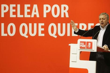 El ministro de Fomento, José Blanco, el domingo, en un mitin de Vigo. | Miguel Vidal | Reuters