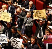 La oposición clama por las leyes que le benefician. | Reuters