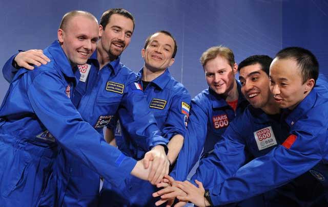 Los seis participantes en el proyecto 'Mars500', en Moscú. | AFP