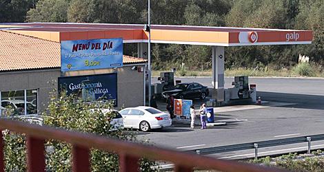 La gasolinera de la A-6 en Guitiriz, donde se vieron ministro y empresario. | Pedro Agrelo