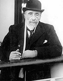 Conrad, en la cubierta de un barco en su primera travesía marítima a EEUU, en 1913. | E. M.