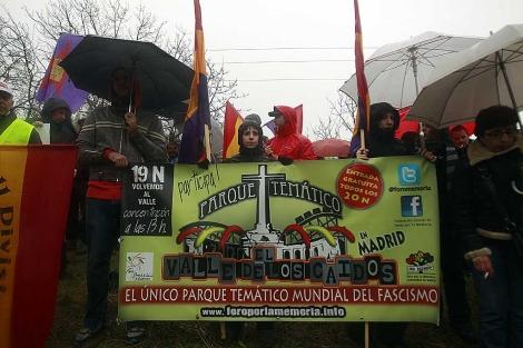 Manifestación antifascista frente al Valle de los Caídos. | Javier Barbancho