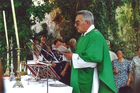 José García Verdía, en una misa en Guísamo (A Coruña). | X. S.