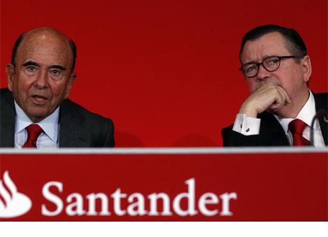 El presidente del Santander, Emilio Botín, junto al CEO del grupo, Alfredo Sáenz.   J. Barbancho