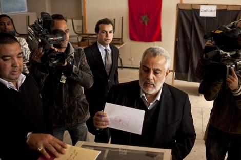 Abdelilah Benkirane, líder del Partido Justicia y Desarrollo, vota en las pasadas elecciones. | Efe