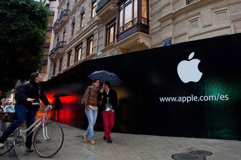 Fachada de la futura tienda de Apple en Valencia la semana pasada. | Benito Pajares