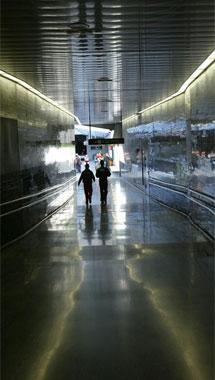 El metro, gran victoria del barrio. | S. C.