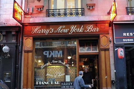 Fachada del Harry's Bar en París. | AFP