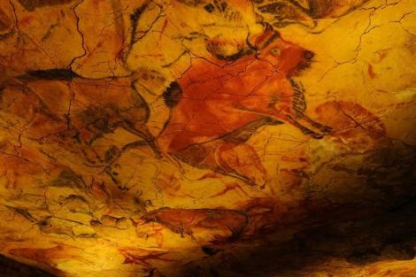 Pinturas en las cuevas de Altamira, portada del libro.   GEDISA