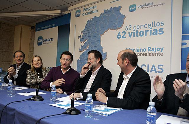De izq. a dcha: José Manuel Figueroa, Ana Pastor, Núñez Feijóo, Mariano Rajoy y Rafael Louzán, en la sede del PP. | Rosa González