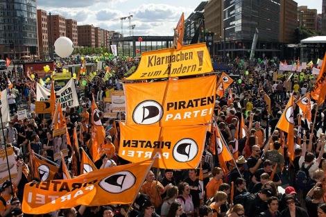 Manifestación pro Partido Pirata en Berlín.   Efe