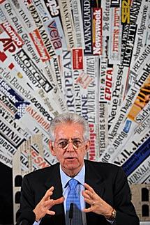 Mario Monti, en la rueda de prensa ante los periodistas extranjeros. | AFP