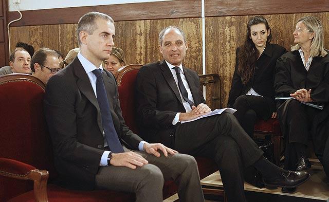 Ricardo Costa y Francisco Camps, en el banquillo de los acusados. | B. Pajares | V. Bosch | J. Cuéllar