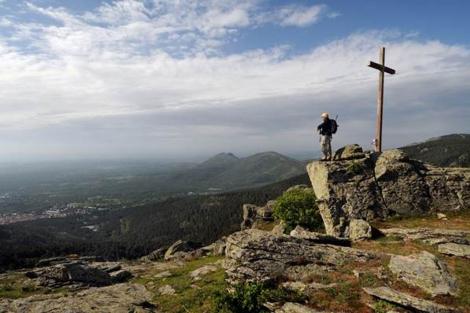 La Cruz de Rubens sobre San Lorenzo del Escorial.| Marga Estebaranz