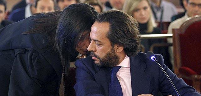 Álvarez Pérez sentado ante el tribunal que juzga a Camps y Costa | Pool.