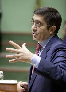 Patxi López, en el Parlamento. | Efe
