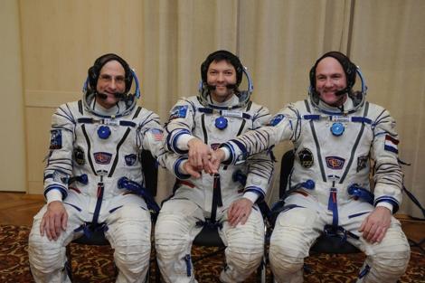 Don Pettit (I), Oleg Kononenko y Andre Kuipers (D). | ESA