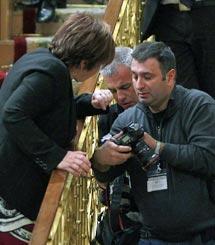 Villalobos, 'supervisando' el trabajo de los fotógrafos. | Foto: J. Barbancho