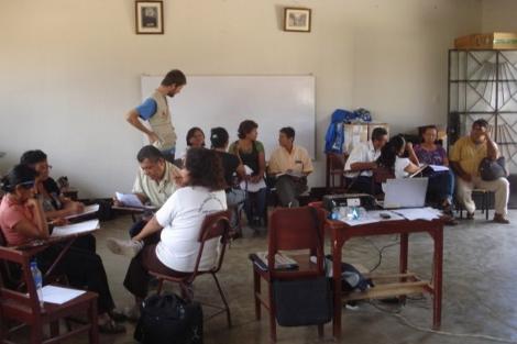 En los talleres de formación de docentes.   Educar para vivir