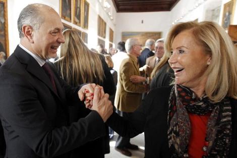 Enrique Crespo celebra el segundo premio de la Lotería con el que fue agraciado   Efe