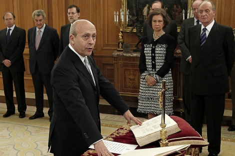José Ignacio Wert jura su cargo ante los reyes. | Juan Carlos Rojas
