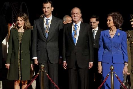 Los Reyes y los Príncipes de Asturias, en la apertura de la X Legislatura.   Bernardo Díaz