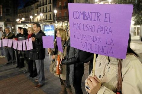 Concentración contra la violencia de género. | J.M. Lostau