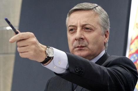 José Blanco, durante una rueda de prensa cuando era ministro. | Efe