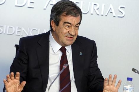 Francisco Álvarez-Cascos, en rueda de prensa tras su consejo de gobierno.   Efe