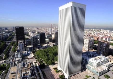 La madrileña Torre Picasso. | Bernardo Díaz