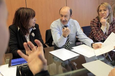 Rubalcaba, con su equipo económico. | Antonio Heredia