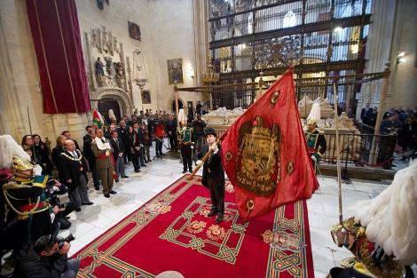 El Pendón Real, en la Catedral de Granada durante los actos de la Toma. | J. G. Hinchado