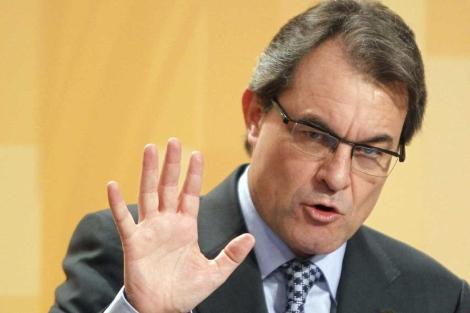 El presidente de la Generalitat, Artur Mas, en rueda de prensa. | Andreu Dalmau | Efe
