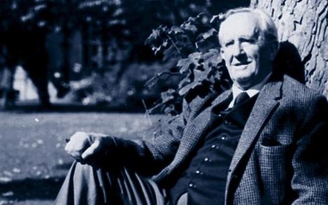 Tolkien en 1977, un año antes de su muerte.