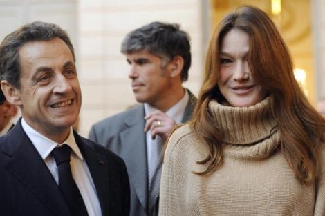 El presidente de Francia, Nicolas Sarkozy, y su esposa, Carla Bruni.