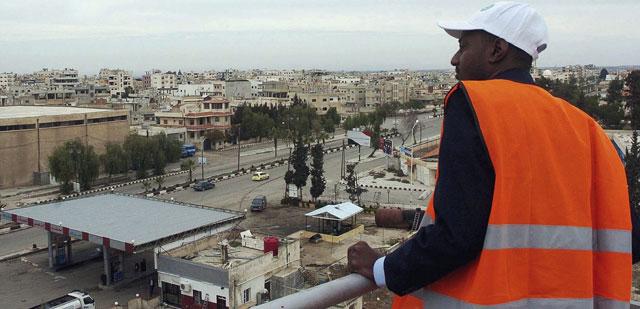 Uno de los observadores de la Liga Árabe en la localidad de Deraa (Siria). | Efe