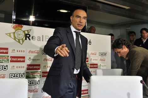 Luis Oliver y Rodríguez Sacristán, durante su etapa en el Betis. | UES