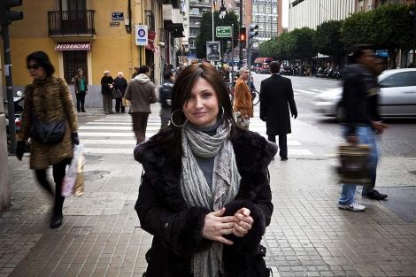 Cristina Ponce, en una céntrica calle Colón de Valencia. | Vicent Bosch