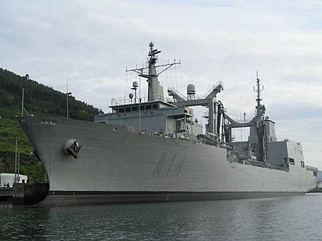 El buque de apoyo y combate 'Patiño'.