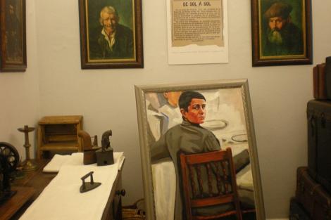 Retrato de Picasso a partir de una foto y reproducciones de sus pinturas coruñesas. | M. N.