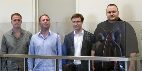 De izquierda a derecha: Bran van der Kolk, Finn Batato, Mathias Ortmann y Kim 'Dotcom'. | Efe