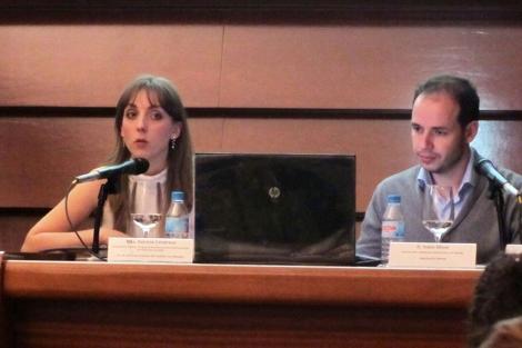 Patricia Calatrava y Jesús Oliver exponen su experiencia sobre la mediación. | UNAF