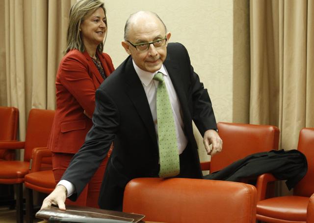 El ministro de Hacienda, Cristóbal Montoro, se prepara para su comparecencia. | Alberto Cuéllar