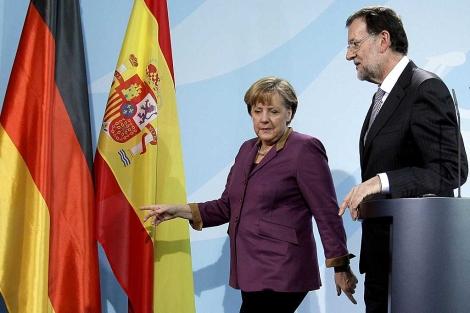 Angela Merkel y Mariano Rajoy, tras su encuentro en Berlín. | Efe