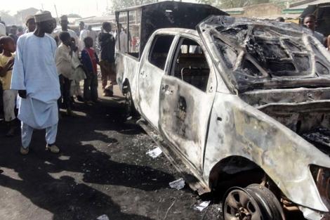 Un vehículo tras un ataque de Boko Haram en la ciudad de Kano (Nigeria). | Afp