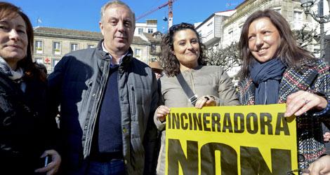 'Pachi' junto a Laura Seara y Carmen Gallego. | Efe